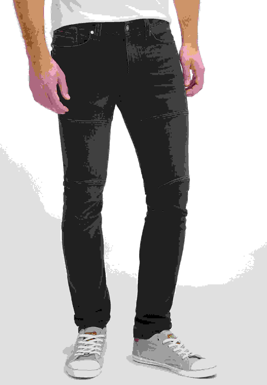 Mann strumpfhose unter jeans