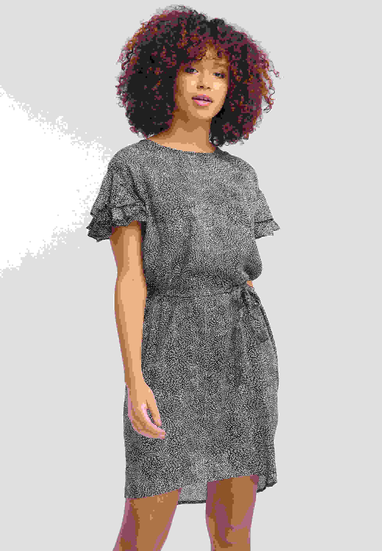 Kleid Volant Dress
