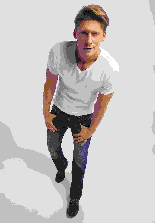 T-Shirt Aaron V Basic