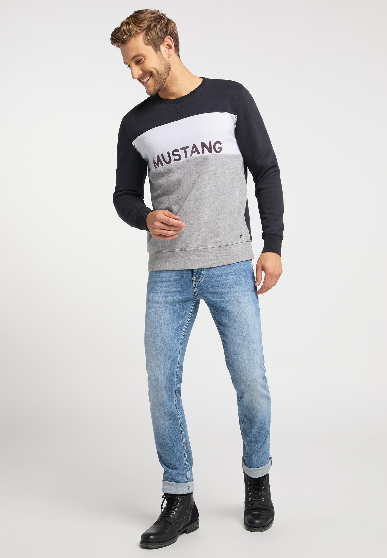 Sweater im Colourblocking Stil