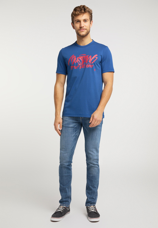 T Shirt mit coolem Graffiti Schriftzug